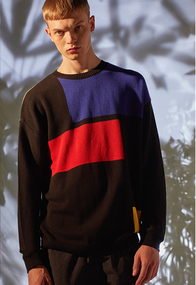 Modern Geometry S/S Sweater_ Black