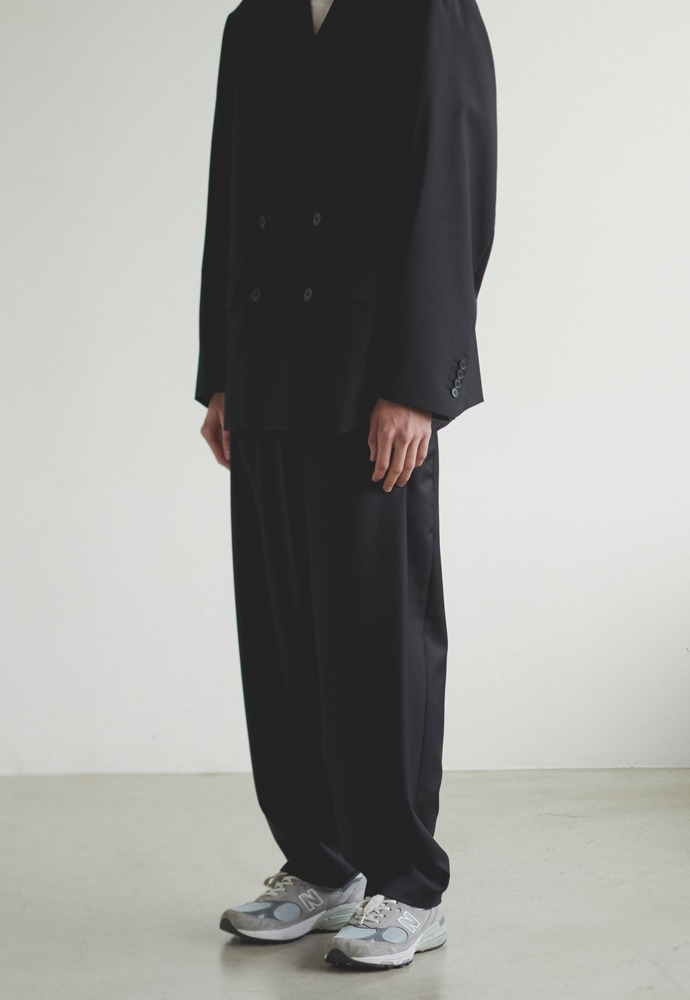 Wool Side Tucked Pants_ Black