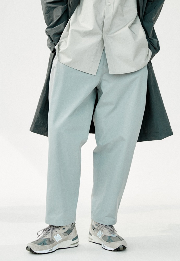 Side Tucked Pants_ Light Grey