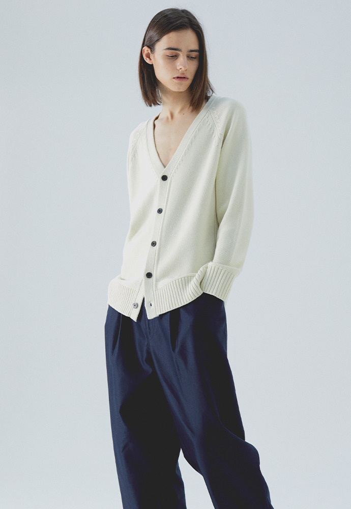 V Neck Knit Cardigan_ Cream